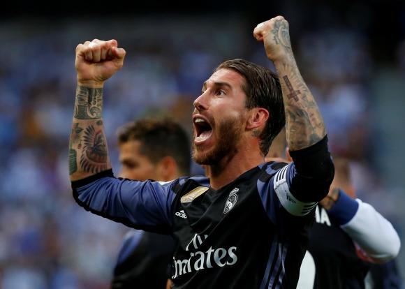 El festejo de Sergio Ramos, capitán del Real Madrid campeón. Foto: Reuters