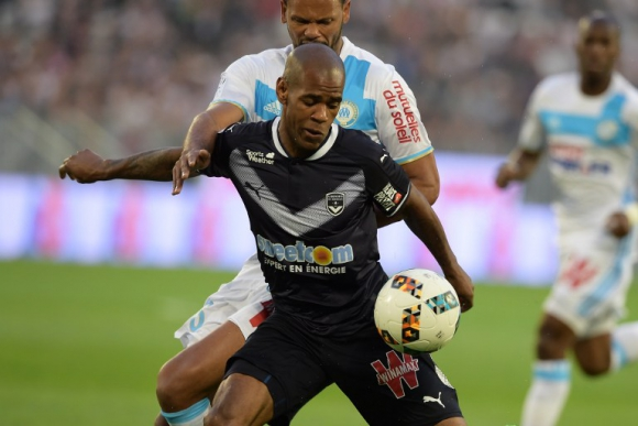 Diego Rolan en el partido entre Bordeaux y Olympoque de Marsella. Foto: AFP