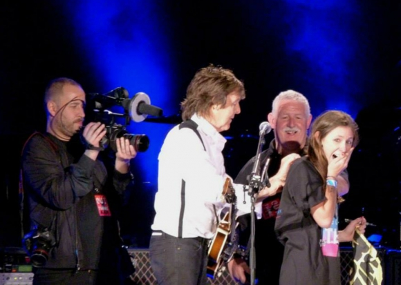 Josefina en el show que Paul McCartney dio en 2014 en el Centenario