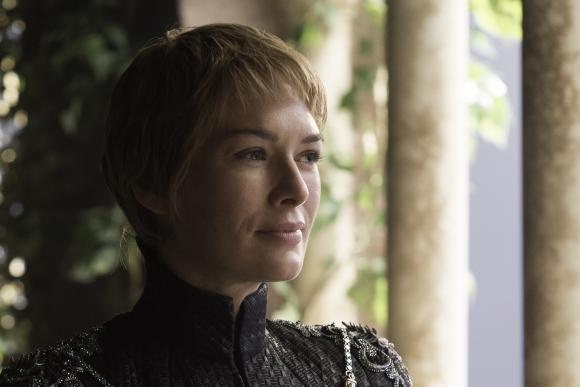 Cersei está sentada en el Trono de Hierro, pero no sabe por cuánto tiempo.