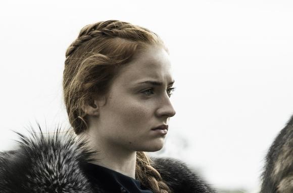 Sansa Stark es otra que ha adoptado una postura muy combativa.