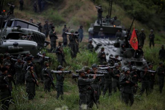 El régimen chavista comenzó maniobras militares con 200.000 efectivos. Foto: Reuters