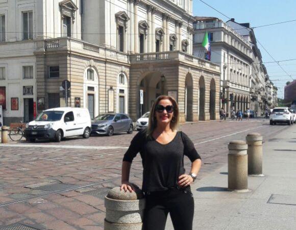 Laura en la escala de Milán.