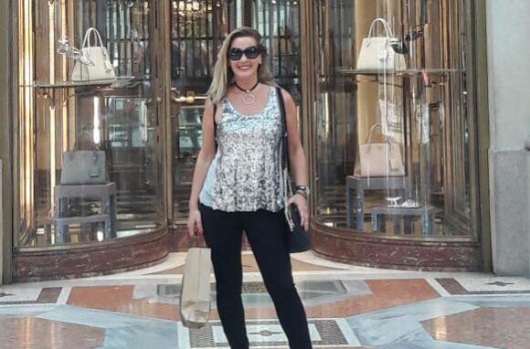 Laura en el local de Prada.