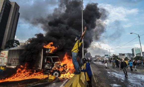 No cesan las protestas contra Maduro. Foto: AFP