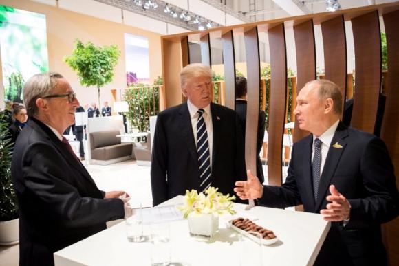 Trump, Putin y Juncker en la cumbre del G20. Foto: Reuters.