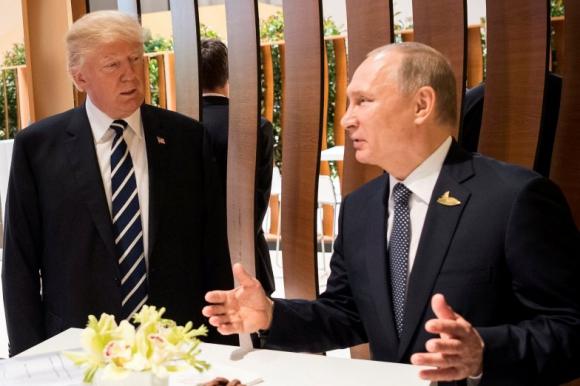 Trump y Putin en la cumbre del G20. Foto: Reuters.