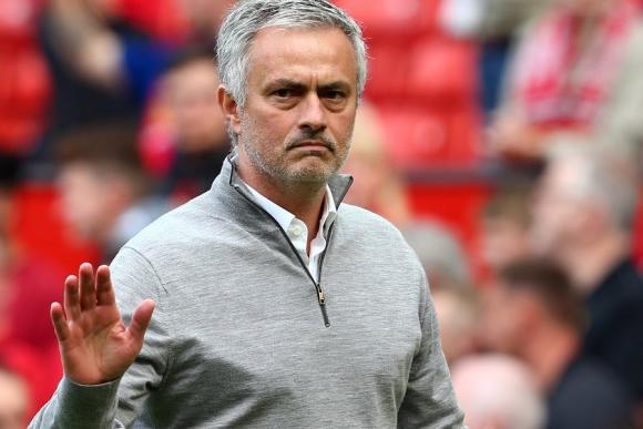 José Mourinho duró 10 segundos en la conferencia de prensa. Foto: EFE