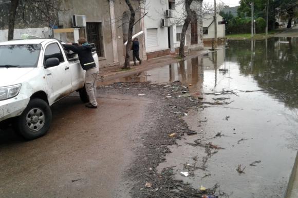Familias salteñas son evacuadas debido a las inundaciones. Foto: Luis Pérez.