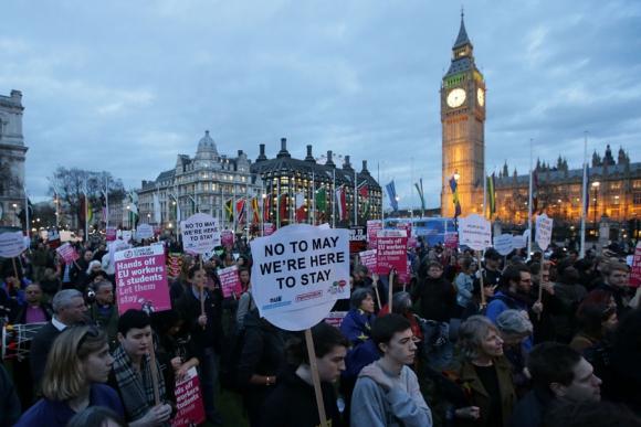 La primer ministra May acusó al gobierno de Escocia de politiquería. Foto: EFE