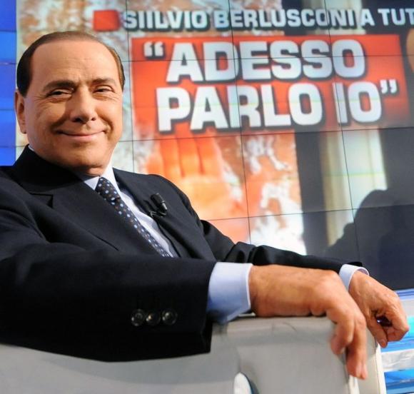 Silvio Berlusconi durante una entrevista. Foto: Archivo