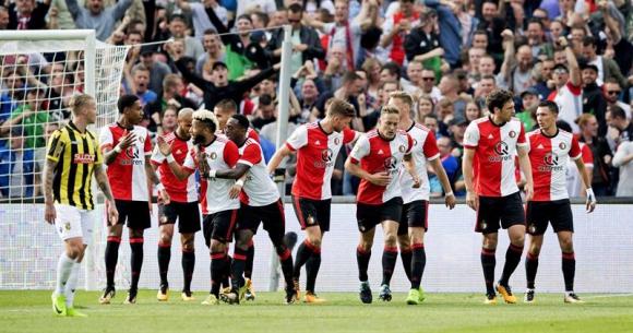 Feyenoord terminó venciendo a Vitesse. Foto: EFE