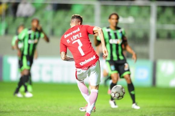 Nicolás López anotó en el empate entre Inter de Porto Alegre y América MG. Foto: Internacional