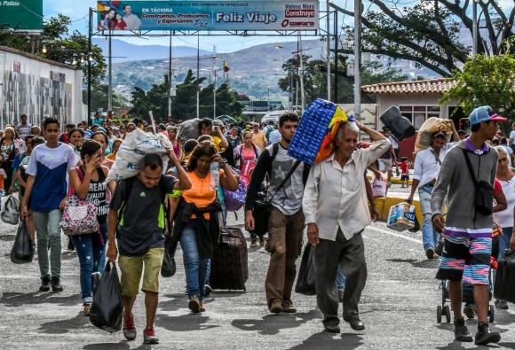Miles de venezolanos cruzaron en masa la frontera con Colombia a tan solo cinco días de la Constituyente. Foto: AFP
