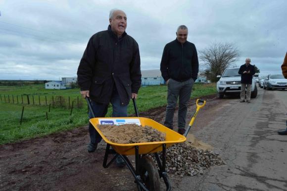 Rossi: el ministro puso pedregullo y movió la carretilla de la PPP. Foto: D. Rojas