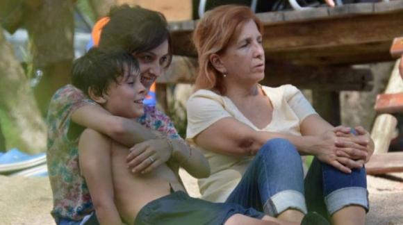 Una francesa quiere recuperar a su hijo, que vive con su tía y su abuela en Florida.