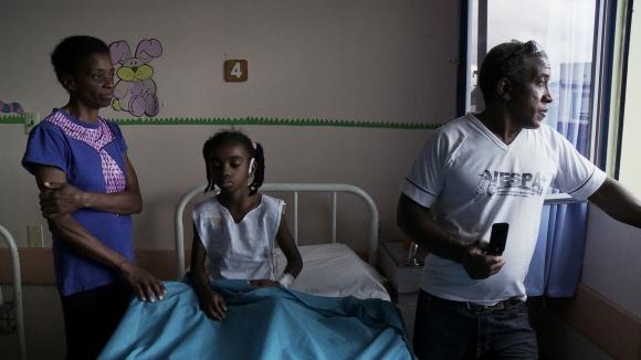 Un hombre tiene dos familias, una de cada lado de la frontera entre Brasil y Uruguay.