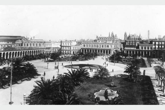 Plaza Independencia en el año 1872. Foto: Centro de Fotografía