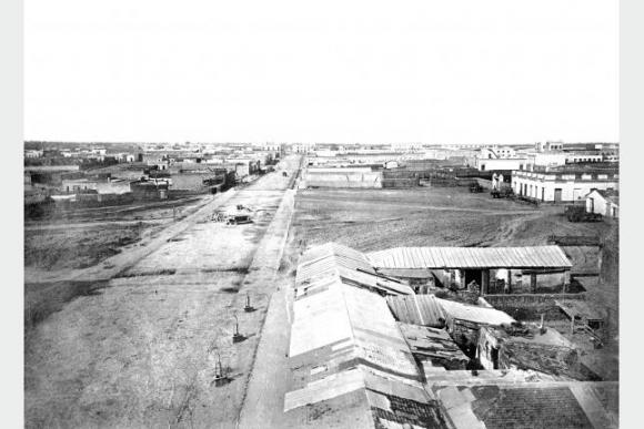 Avenida 18 de Julio en 1865. Foto: Centro de Fotografía