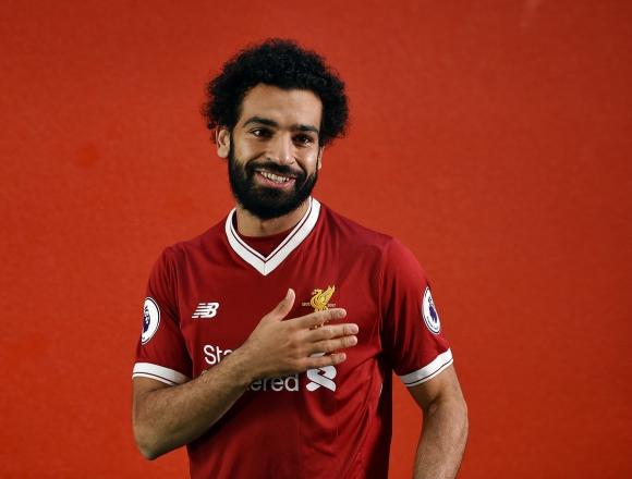 Mohamed Salah en su fichaje por Liverpool. Foto: @LFC