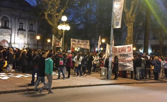 Concentración Ni una menos en Montevideo. Foto: Camila Beltrán.