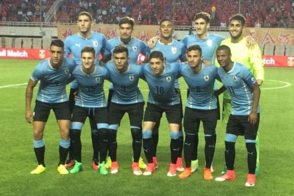 El equipo titular con el que Uruguay inició su amistoso ante China. Foto: Prensa Uruguay