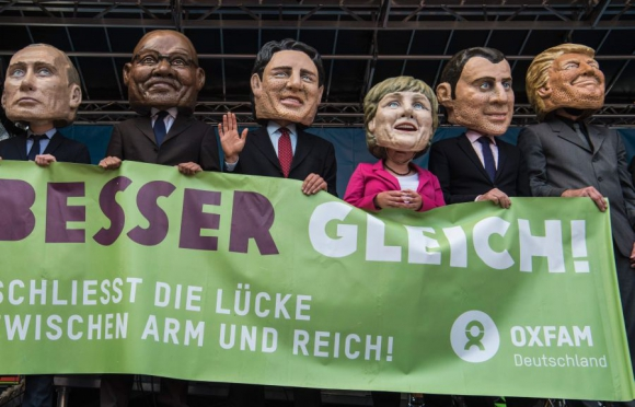 Miles de personas se manifestaron ayer en Hamburgo. Foto: AFP