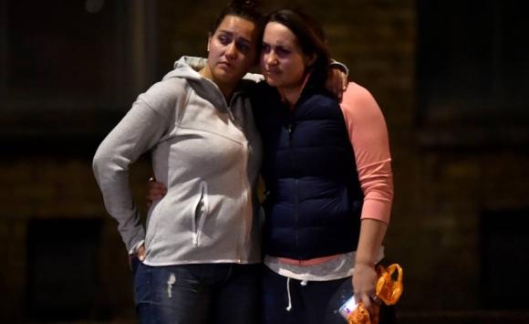 Sobrevivientes del ataque en el puente de Londres. Foto: Reuters.