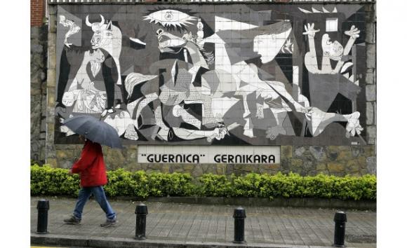 Réplica del Guernica en Gernika