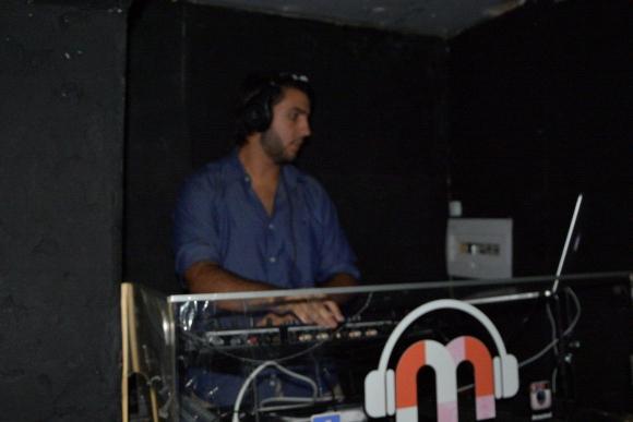 El dj Juan Baralee animó la noche.