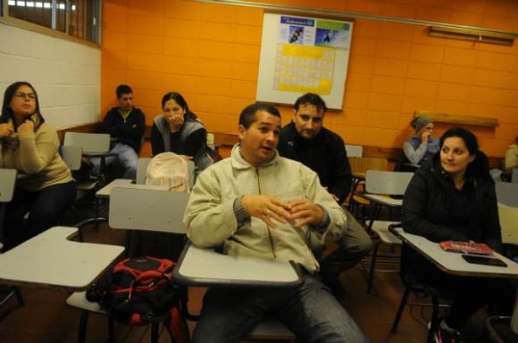 En el liceo Jubilar la propuesta para adultos funciona desde 2011. Foto: Fernando Ponzetto.