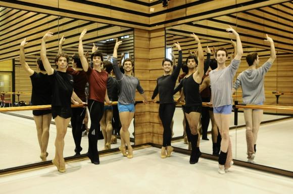 Los bailarines aspiran a seguir creciendo junto a la compañía. Foto: D. Borrelli.