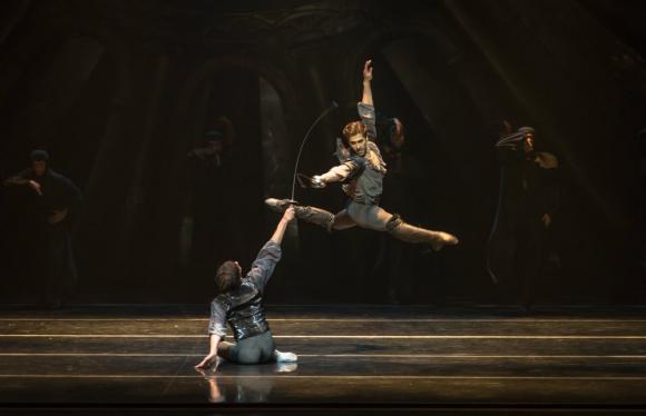 Gustavo Carvalho y Ciro Tamayo en Hamlet ruso. Foto: Carlos Villamayor