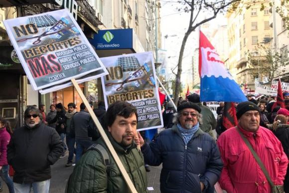 Manifestación del Pit-Cnt en 18 de julio. Foto: Pablo Fernández.