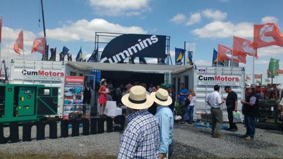 Stand de Cummins en Expoactiva 2017, dónde exhibieron un Grupo electrógeno de 66 kVA.
