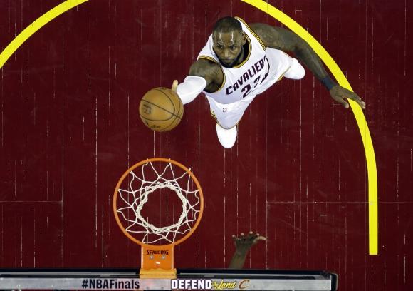 LeBron James es la gran figura de los Cleveland Cavaliers. Foto: AFP.