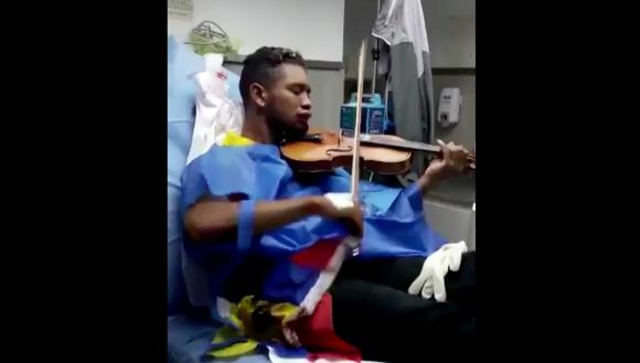 Wuilly Arteaga sigue tocando su violín en contra de Maduro. Foto: AFP