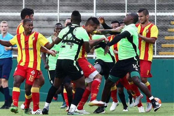 Maximiliano Bajter protagonizó una pelea en Colombia. Foto: Fútbolred