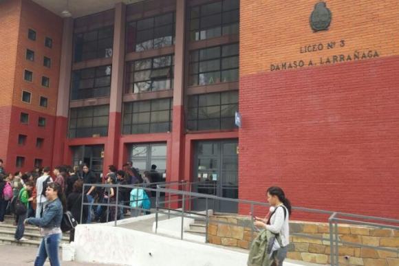 Liceo Dámaso Antonio Larrañaga. Foto: Darwin Borrelli.