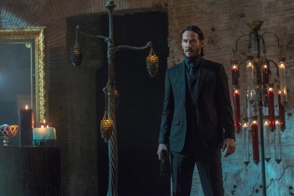 El asesino a sueldo John Wick vuelve por más debido a una deuda de sangre.