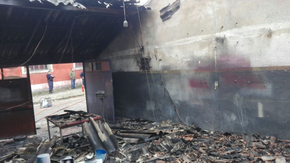 Incendio en Jefatura Operacional IV. Foto: Unicom