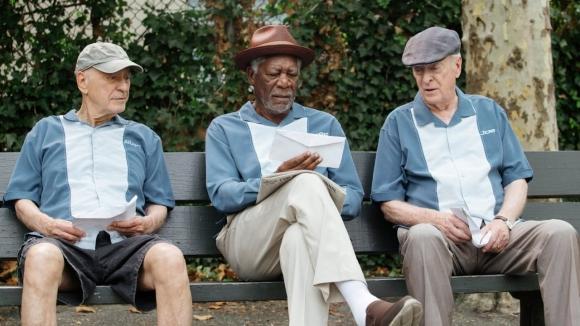 Alan Arkin, Morgan Freeman y Michael Caine planean un robo muy particular.