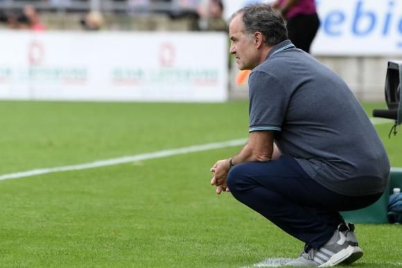 Marcelo Bielsa en el partido entre Lille y Estrasburgo. Foto: AFP