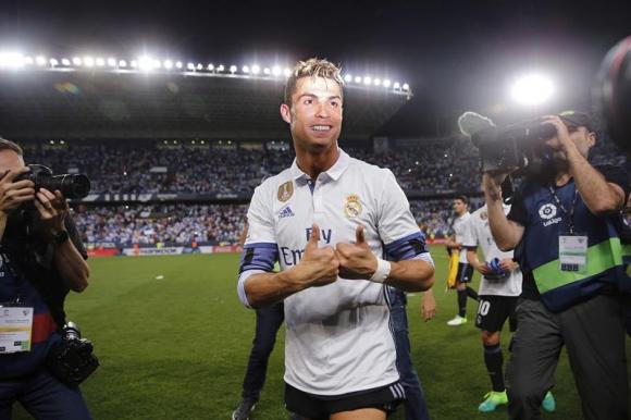 Cristiano Ronaldo tras ser campeón de La Liga con Real Madrid. Foto: EFE