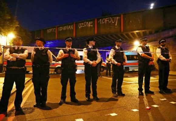 La Policía confirmó varios heridos por vehículo que atropelló peatones en Londres. Foto: Reuters