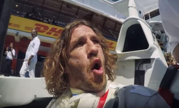 Carles Puyol en un Fórmula Uno.