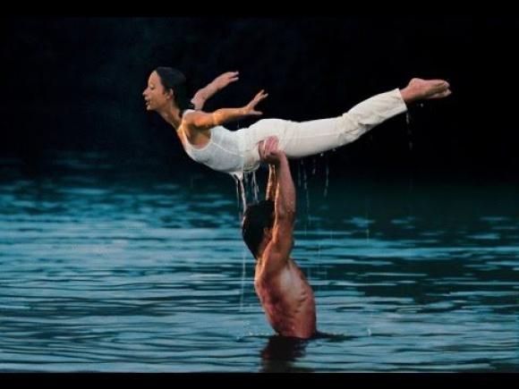 Ensayo 1987 en el agua para el cierre de una coreografía clave.