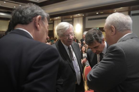 Los ministros Nin, Astori, Rossi y el director de la OPP, Álvaro García. Foto: F. Flores