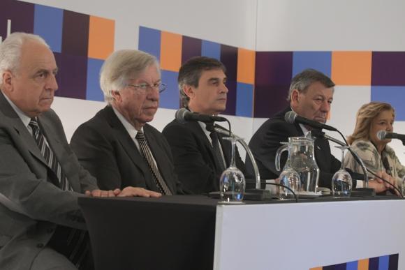 Rossi, Astori, García, Nin y Eneida De León. Foto: F. Flores