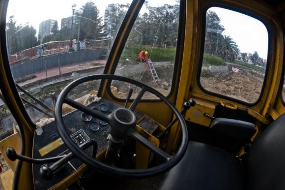 Los trabajos continúan en islas del lado con obreros de la IMM. Foto: Fernando Ponzetto